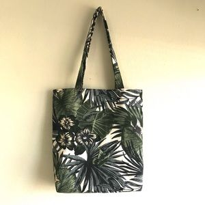 Handbags - Handmade reusable shoulder tote!!